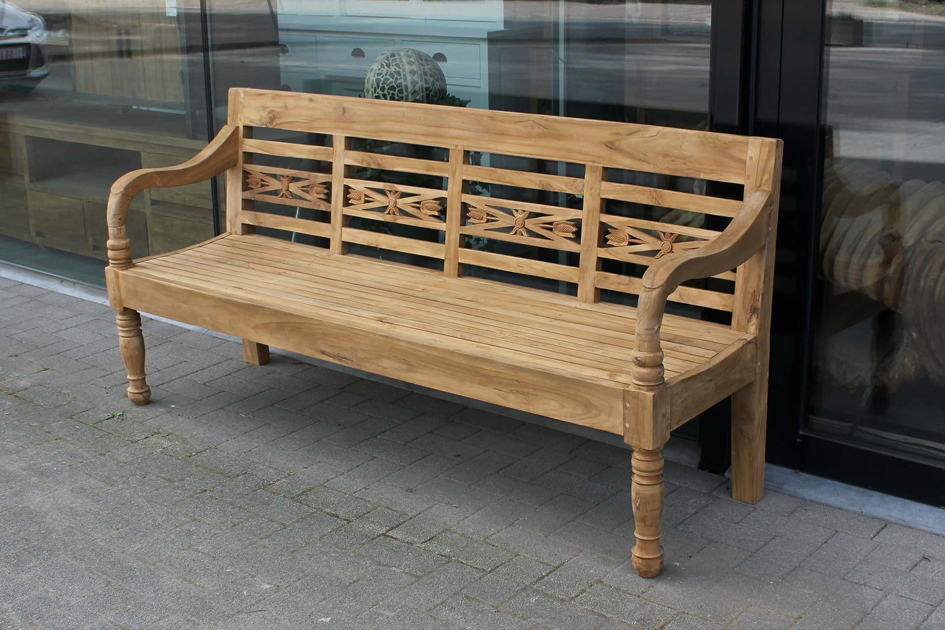 Bangku Raya O190 | luxury station bench teak from Indonesia. Luxury garden bench in untreated teak and floral design - TEAK2.