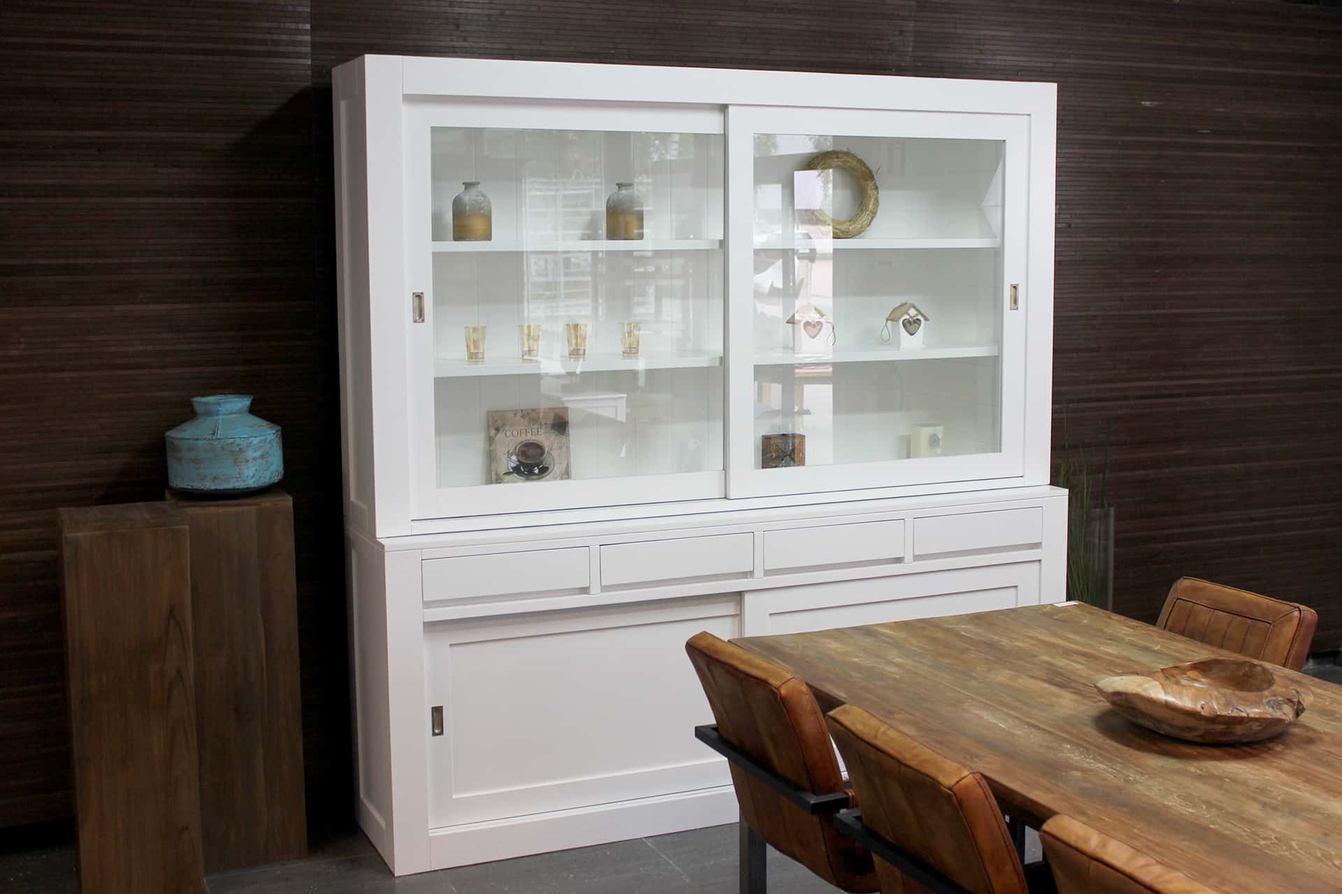 Baru 220L SW | white design buffet cabinet in traffic white RAL 9016. Contemporary display cabinet or design display cabinet in white. Design furniture at TEAK2.