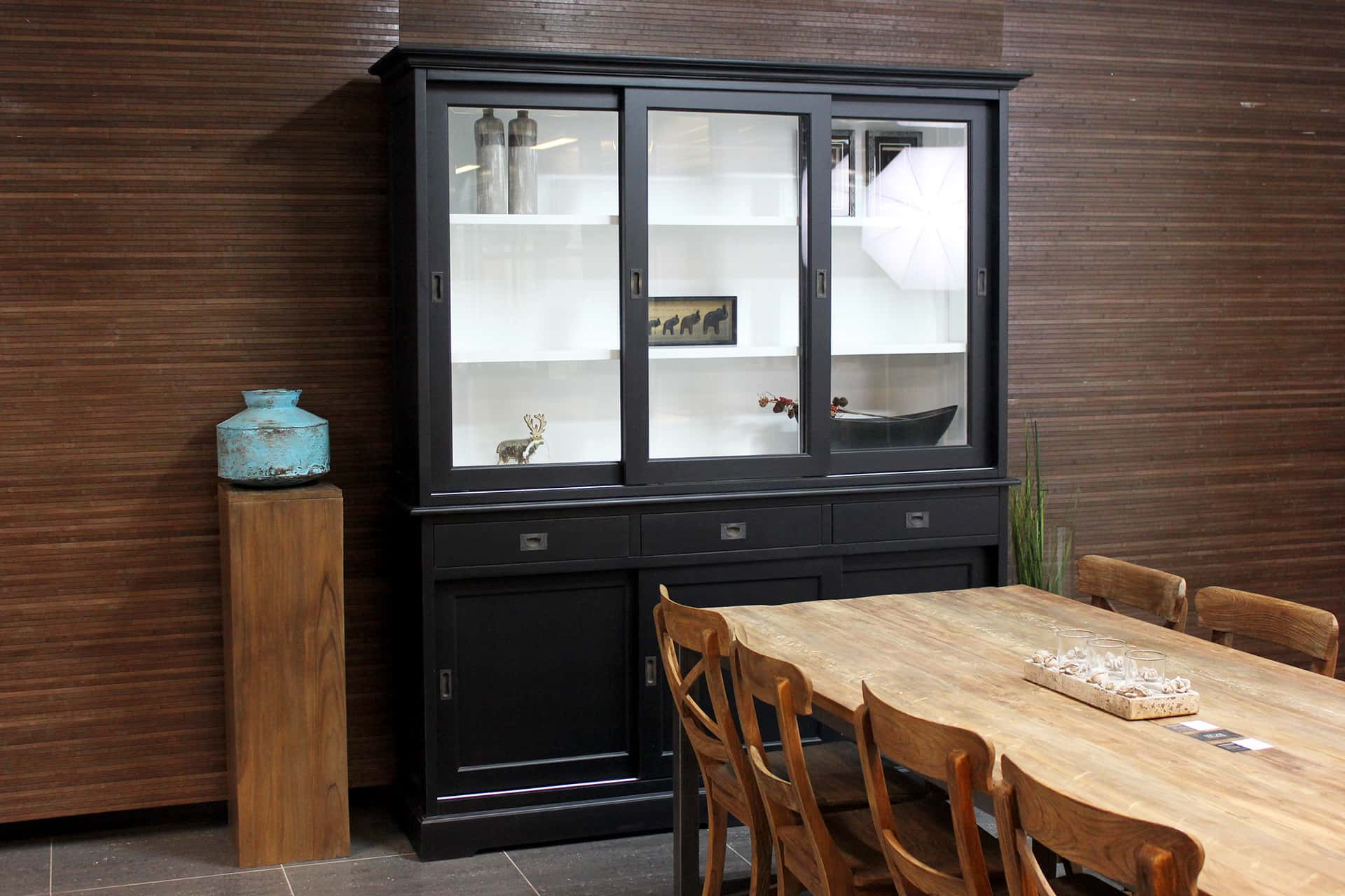 Cerah 180WL ZW | modern black display cabinet with white. Stylish buffet cabinet in chic colour. Black cupboard & display cabinets - furniture TEAK2.