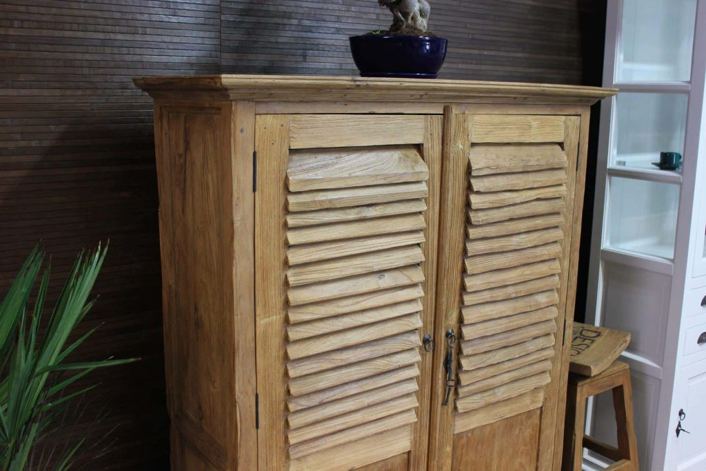 Cuci Kerai 110 Old | exclusive teak cabinet with louvered doors. This unique teak wall cabinet is handmade in Indonesia - furniture shop TEAK2.