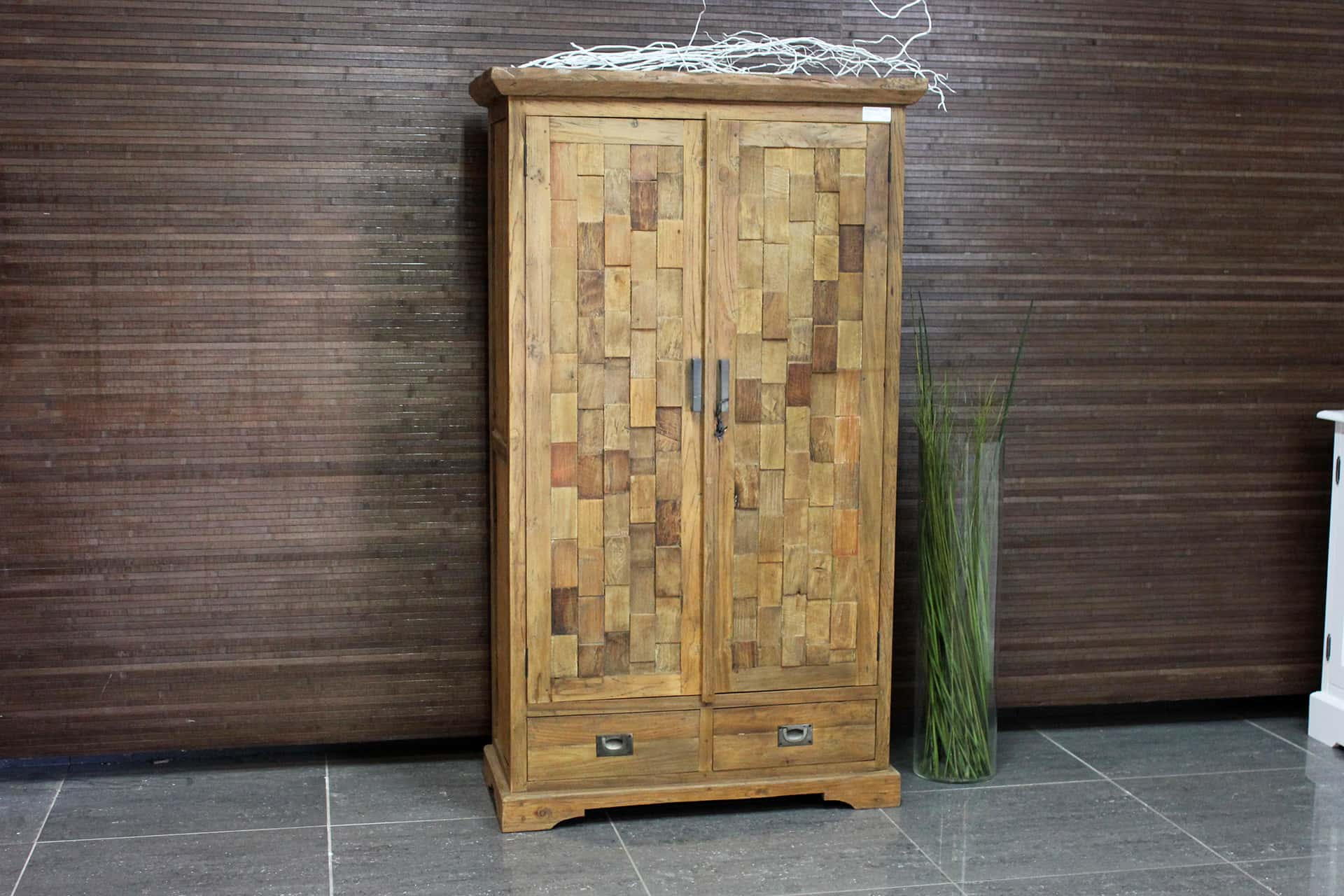 Cuci Kubus 80L Old | exclusive teak cabinet from Indonesia. Unique teak wall cabinet in Indonesian temple style, unique cube motif on revolving door - TEAK2.