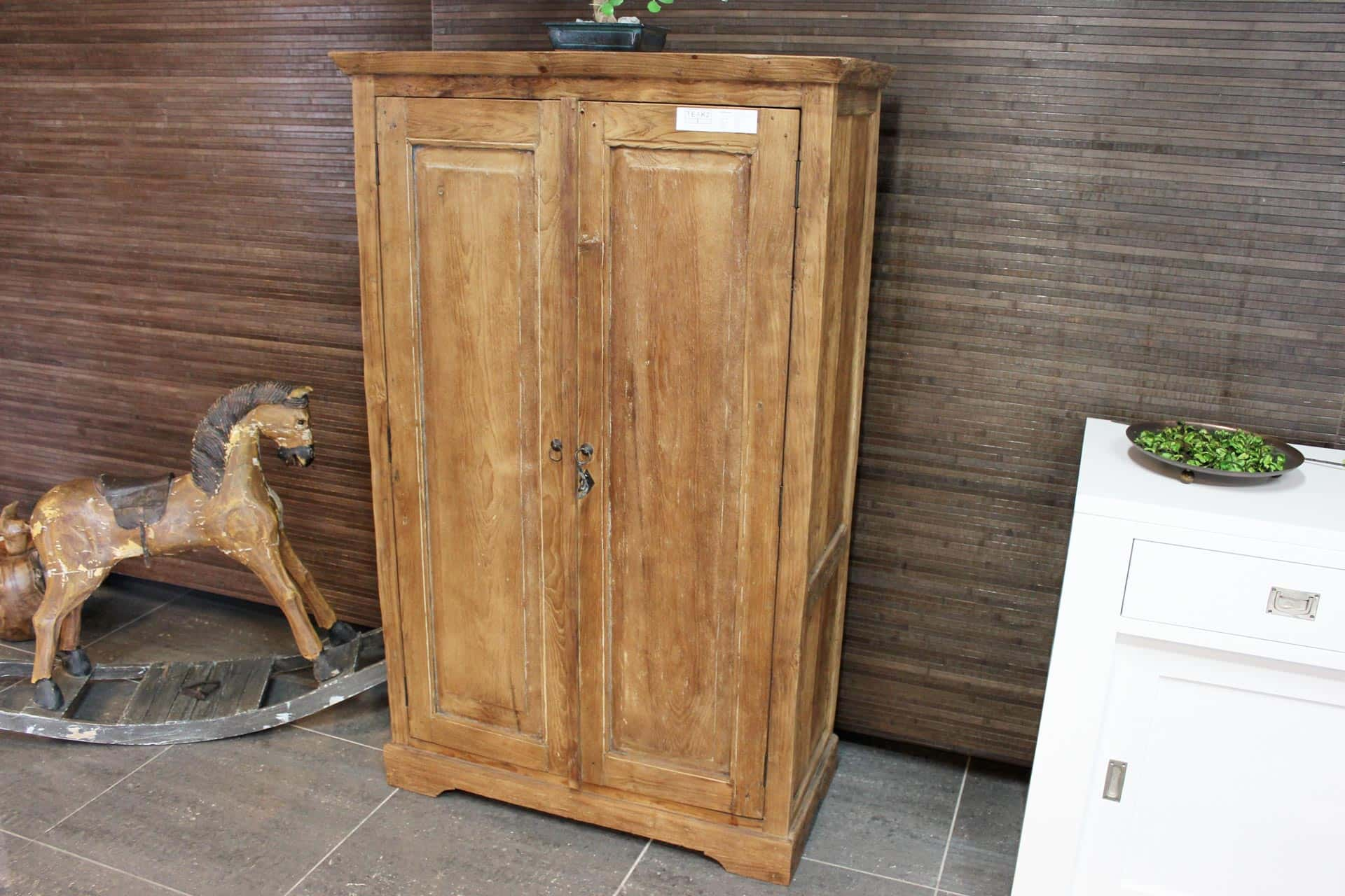 Cuci Rata 90 Old | teak cabinet from Indonesia with revolving doors. Small teak wall cupboard or low closed sideboard. Rural teak furniture at TEAK2.
