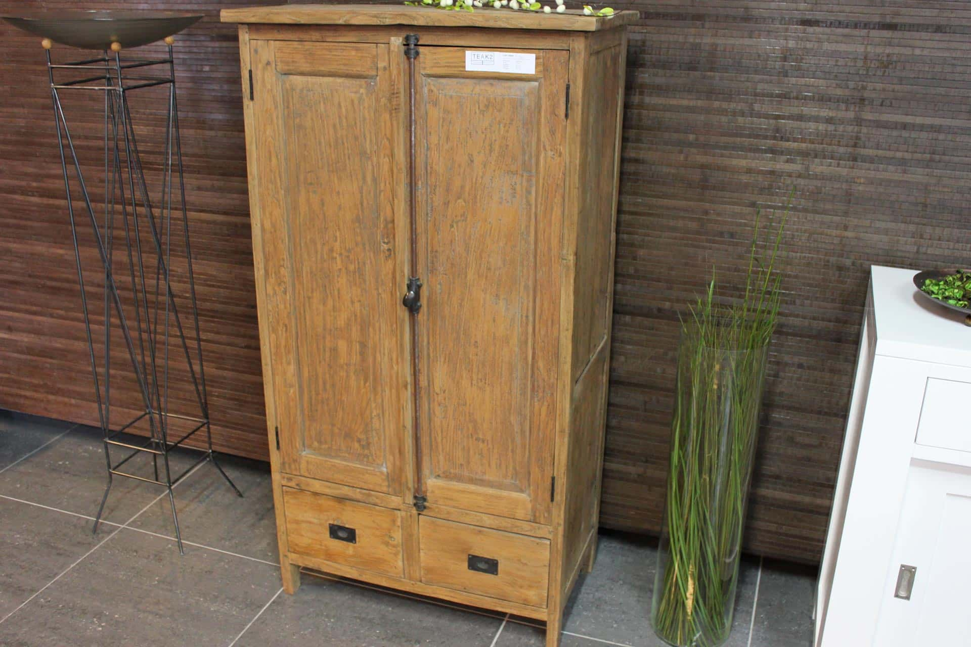 Cuci Taraf 80L Old | small teak cupboard in beautiful old teak from Indonesia. Chic country vintage style. Teak furniture at furniture store TEAK2.
