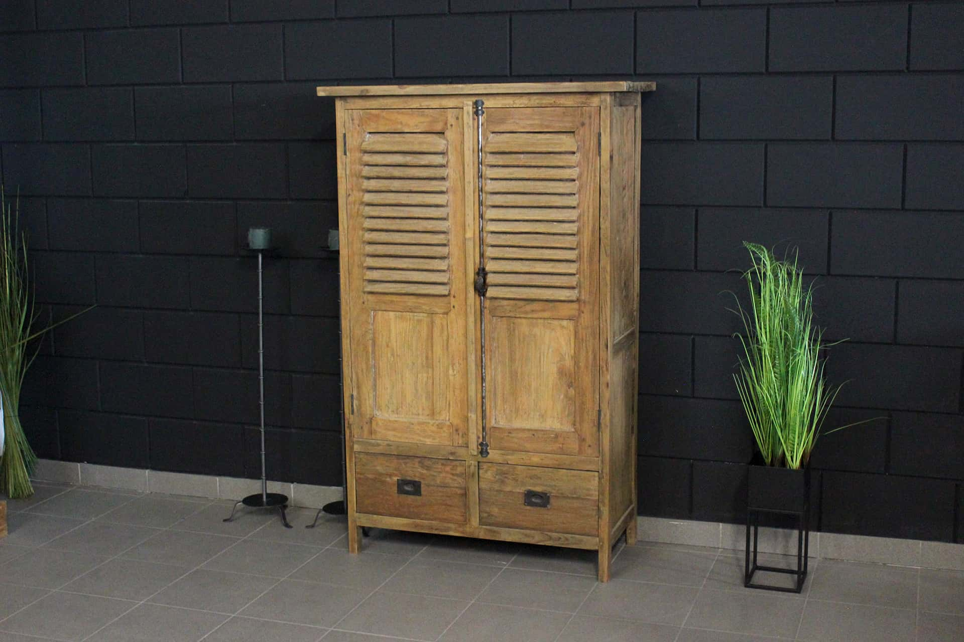 Cuci Taraf Kerai 80L Old | small teak cabinet with louvre doors in beautiful old teak. Exclusive teak wall cabinet from Indonesia - TEAK2.