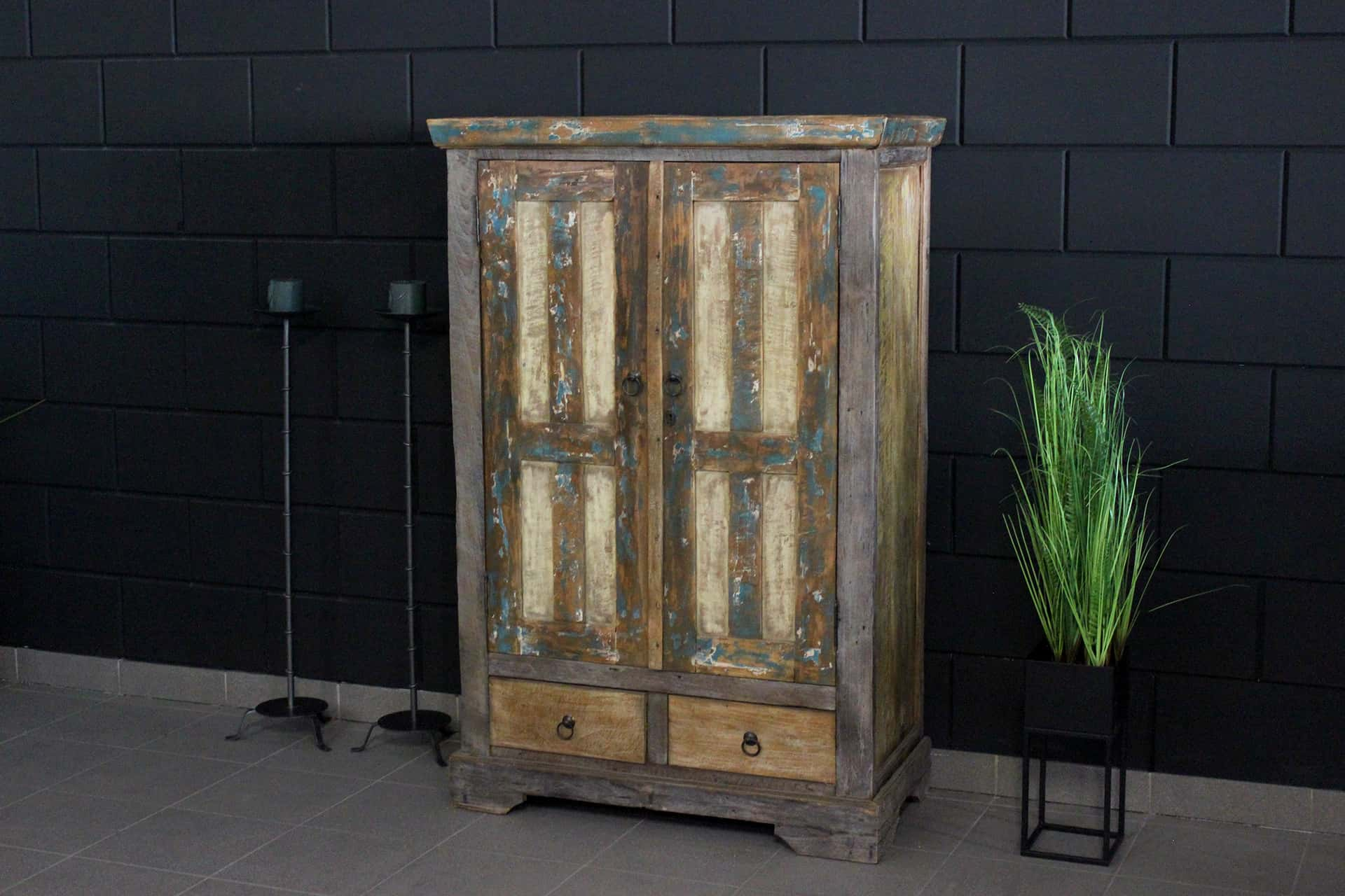 Cuci Warna Lirih 90L Old 2 | exclusive old wooden cabinet with paint residue from Indonesia. Teak wall cabinet with oriental look and color - TEAK2.