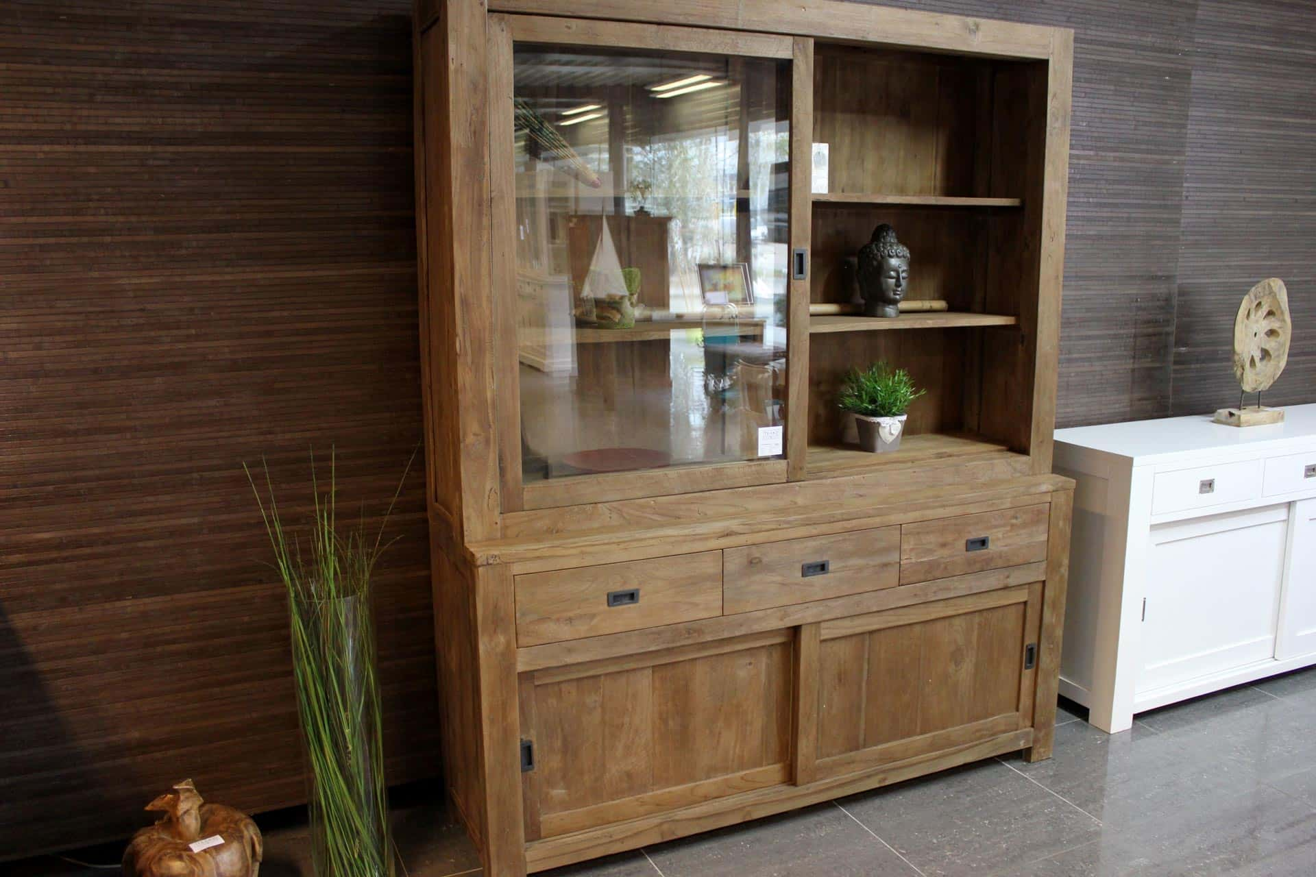 Teak Corak 180L Old | design display cabinet in beautiful old teak. This teak buffet cabinet has an exclusive look. Teak furniture store TEAK2.