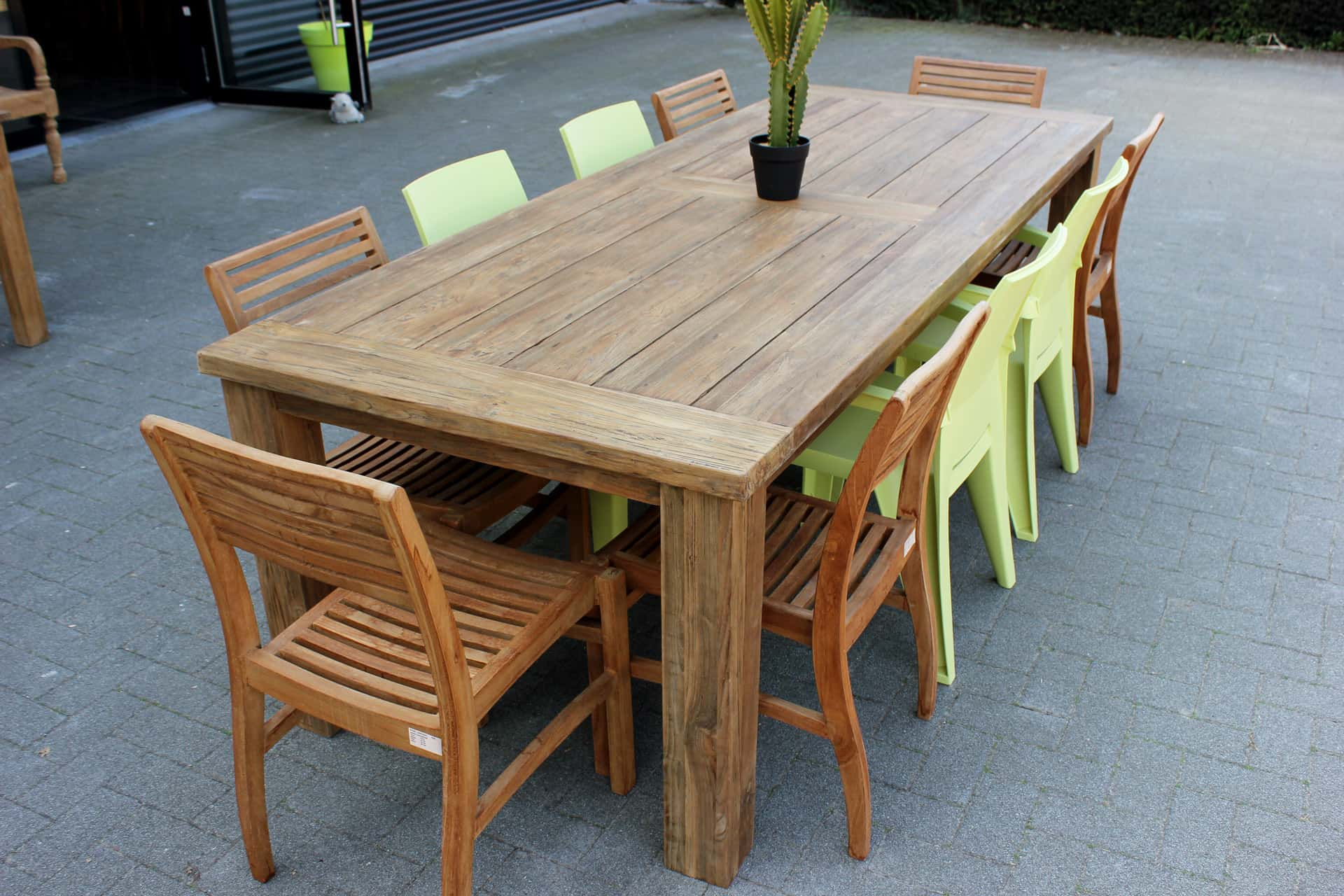Teak Taman O260KL Old | luxury old teak garden table with thick top. Small or large garden table. Teak garden tables, quality from Indonesia at TEAK2.