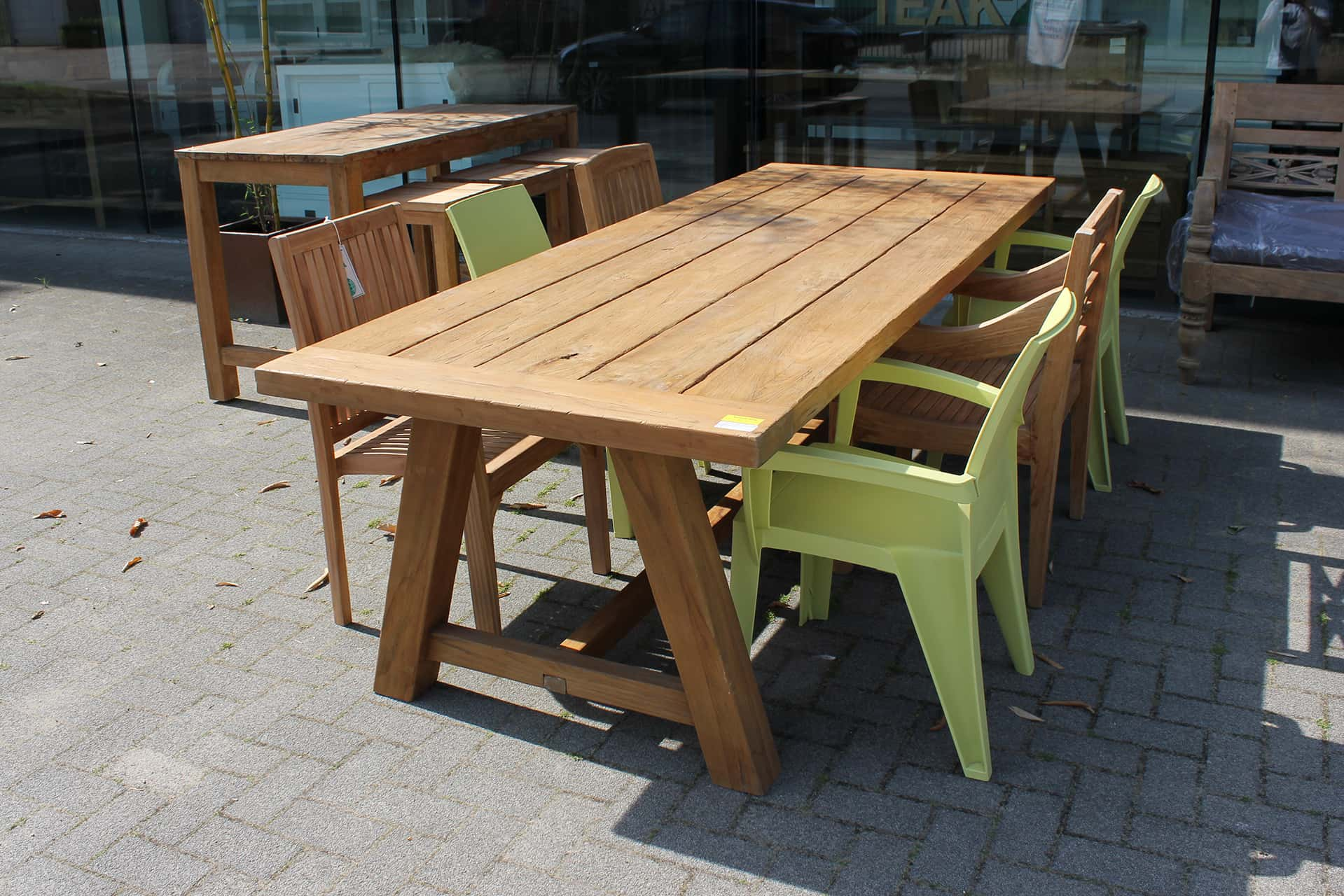Teak Tangguh O260KTL Old | solid garden table wood with Trapezium legs. Robust teak garden table, garden furniture in high quality.