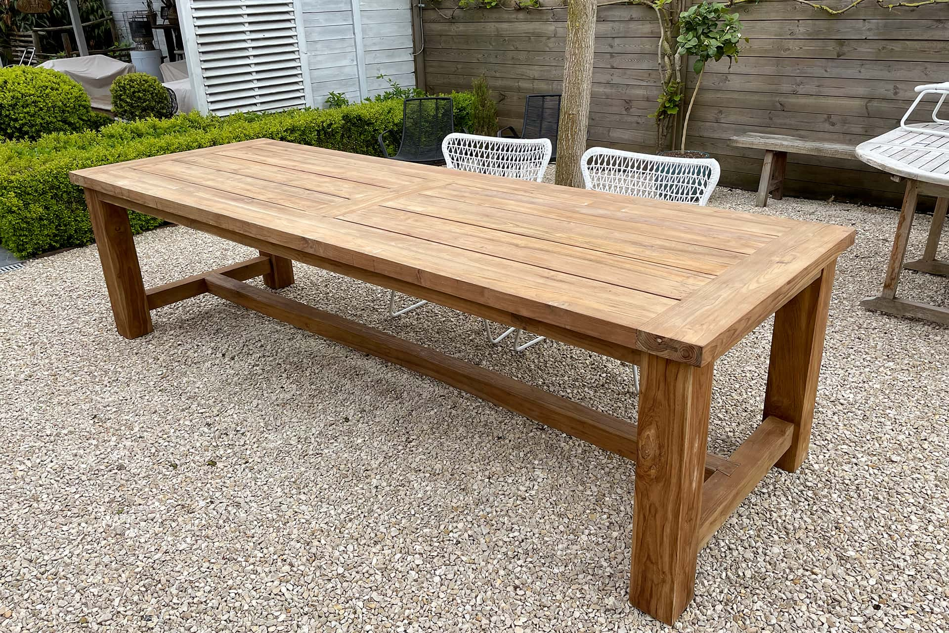 Teak Tangguh O300K Old | solid wood garden table with sturdy legs in H-profile. Rural garden tables in solid old teak from Indonesia - TEAK2.